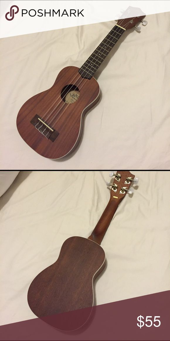 BRAND NEW Ukulele Had it for 4 years but only touched once Lanikai ukulele Accessories