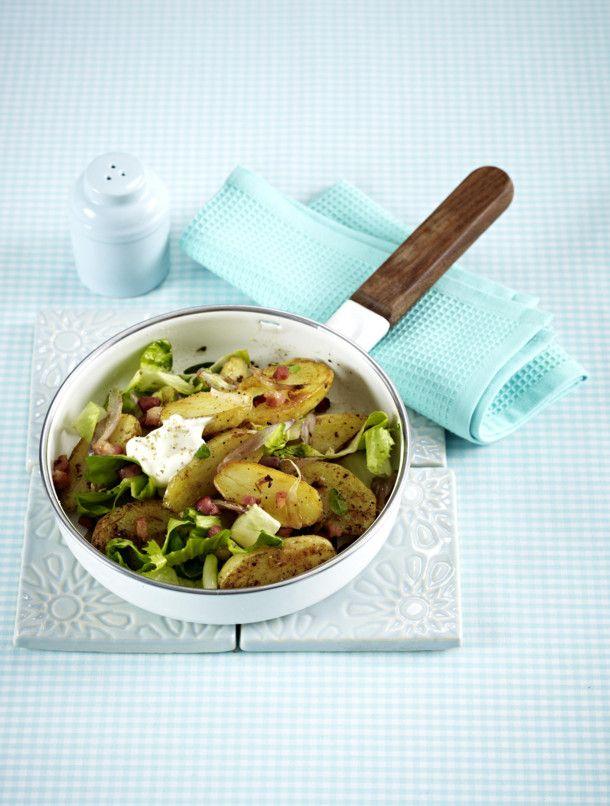 Unser beliebtes Rezept für Kartoffelpfanne mit Speck und Endiviensalat und mehr als 55.000 weitere kostenlose Rezepte auf LECKER.de.