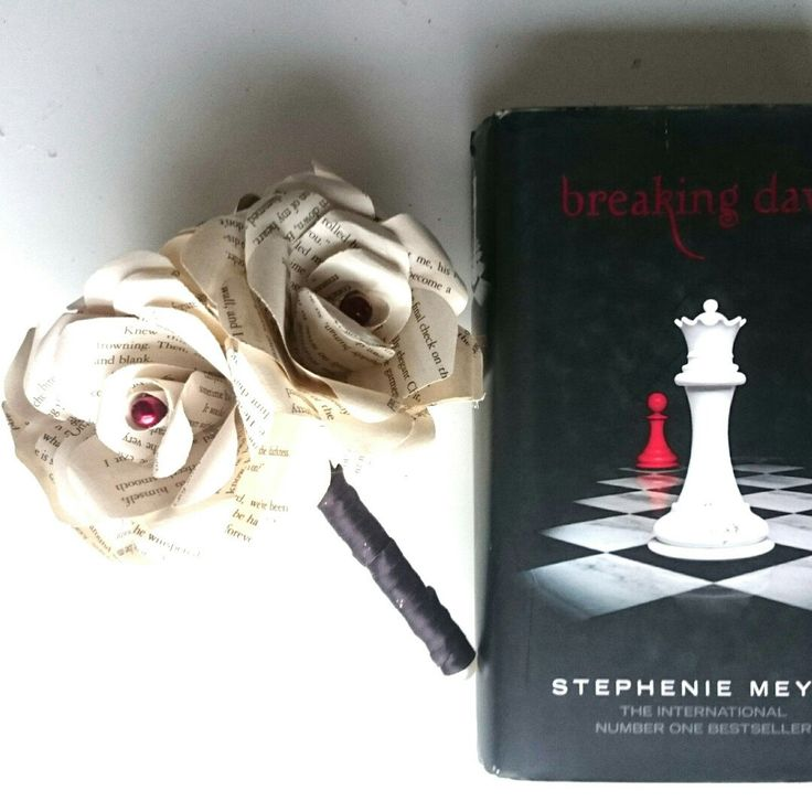 New to my shop today to order Twilight book forever flowers #twilight  #craftyjujudesigns #craftyjujuzweddingtreats #weddingflowers #wedding #foreverflowers #fantasy #vampires #Potter #fantasy #geek #unique
