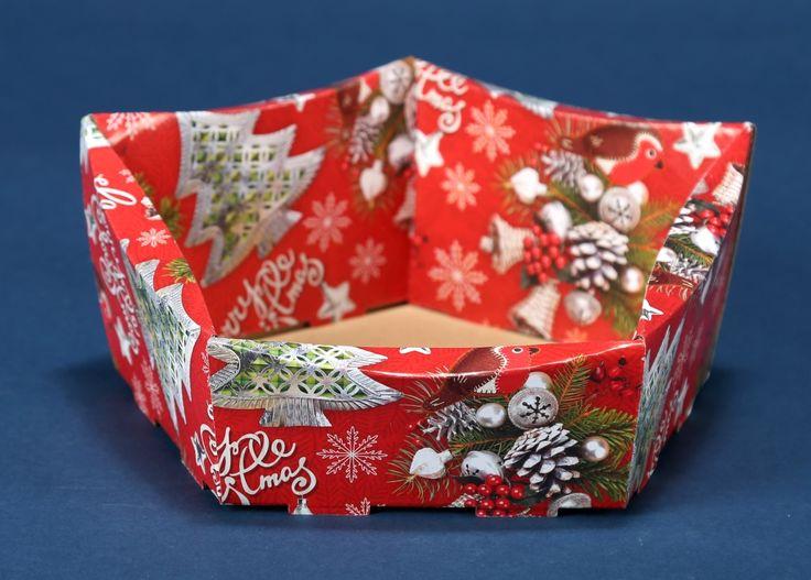Kosze prezentowe z motywem świątecznym na Boże Narodzenie 14
