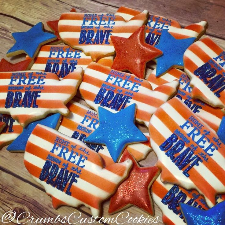 America sugar cookies, military, 4th of July, Memorial Day, veteran's day, @crumbscustomcookies on Instagram