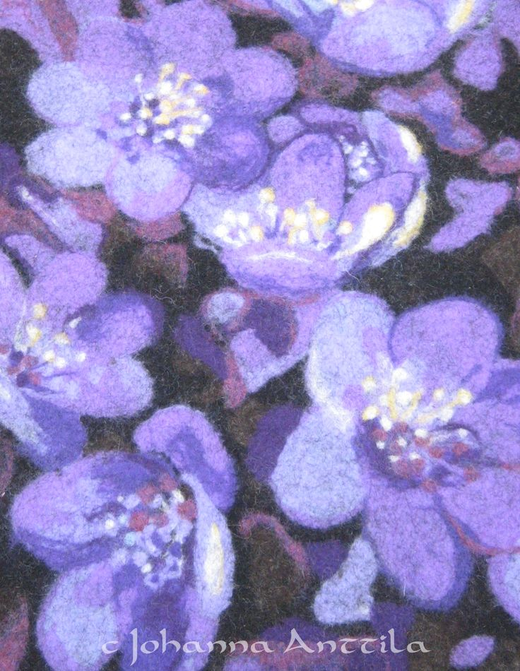 Huopasinivuokot kukkivat kaiken aikaa. :) Hepatica from felt.