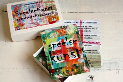 SpeelseKunst creativiteitskaarten zijn 50 kaarten met creatieve opdrachten voor schilderen, tekenen, collages maken, druktechnieken en gemengde technieken (mixed media). De opdrachten zijn eenvoudig van opzet en toepasbaar op ieder niveau.