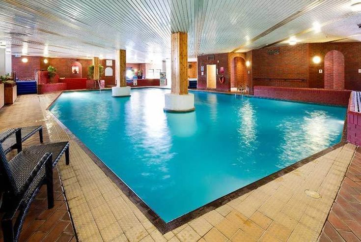 Discount UK Holidays 2018 4* Kent Spa Break, Breakfast & Leisure Access for 2 £79 (at Mercure Maidstone Great Danes Hotel) for an overnight stay for two people with breakfast and leisure access - save up to 48%