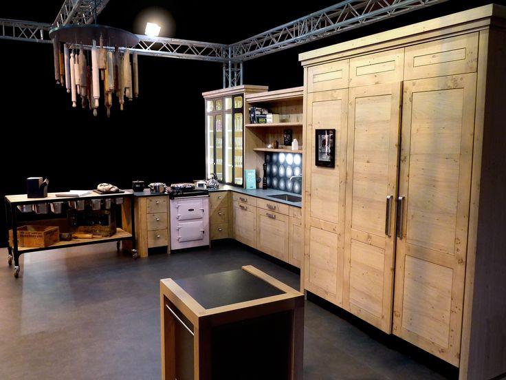 Atelier culinaire cuisine ch ne massif clair vaisselier - Atelier cuisine rennes ...