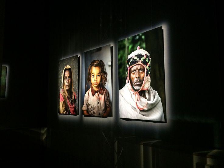 #TheWorldofSteveMcCurry #exhibition #Brussels #Bourse #Photographer #photography #amazing #portrait #family