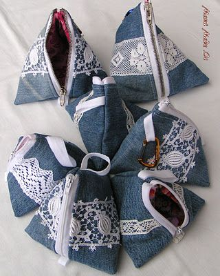 A fun way to use up the denim from an old pair of jeans!Denim Sewing Projects, Crafts Ideas, Denim Recycle, Blue Jeans, Pyramid Bags, Recycle Bags, Jeans Skirts, Sewing Ideas For Old Jeans, Denim Jeans Bags