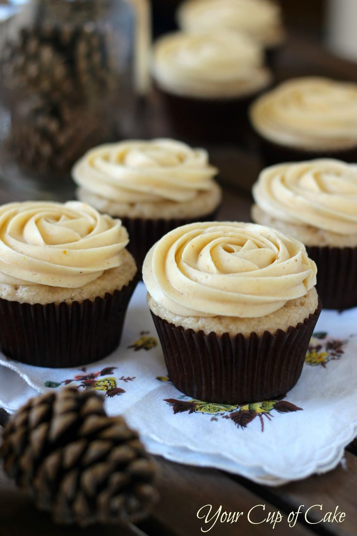 Vanilla Spice Cupcake with Pumpkin Buttercream Frosting