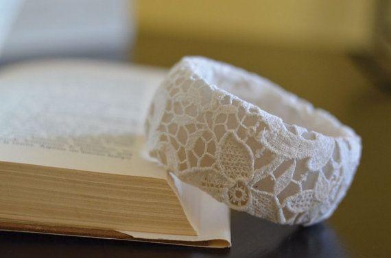 BRACELET vintage lace handmade shabby chicretro di Imimagination
