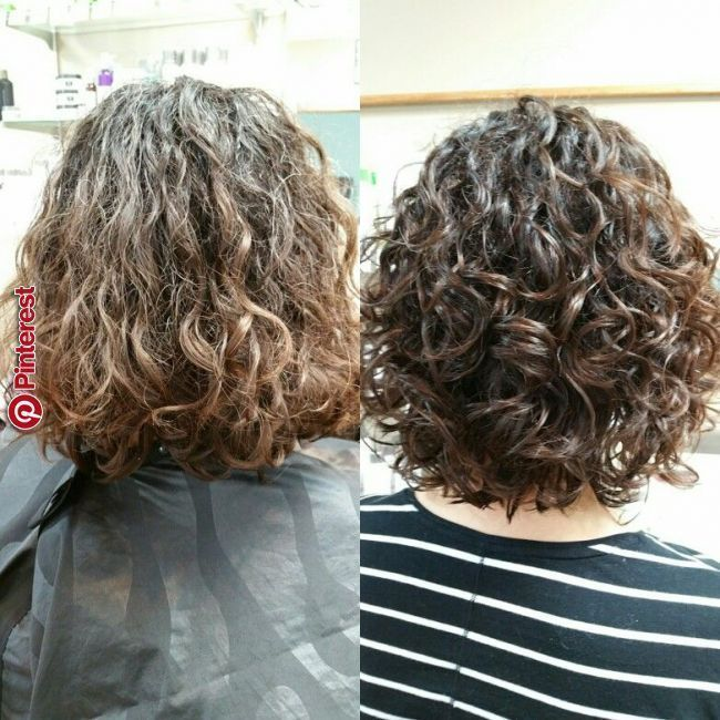 Naturliche Locken Curls Natural Naturalcurlshairstyles Curlshairstyles In 2020 Naturlocken Lockige Frisuren Naturlocken Frisuren