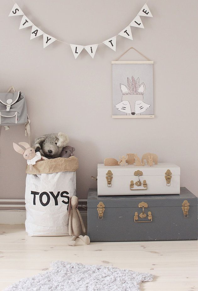 Cute decorations #kidsroom. Love the banner & the storage bag.