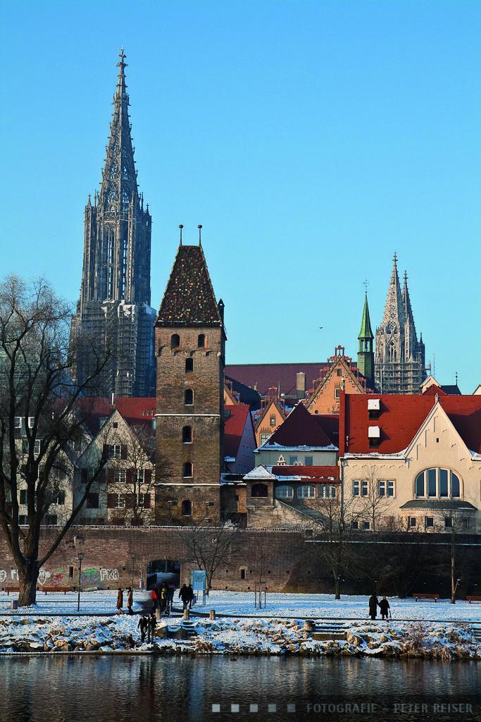 Ansicht von Ulm im Winterfrost. View of Ulm at a cold