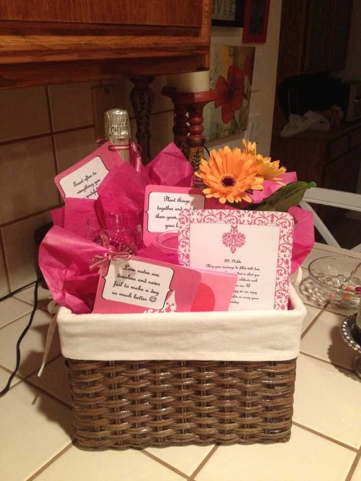 Wedding Gift Basket Notes : 10+ images about Gift ideas on Pinterest Great wedding gifts, Custom ...