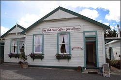 THE OLD POST OFFICE GUEST HOUSE @ Paparoa.... B