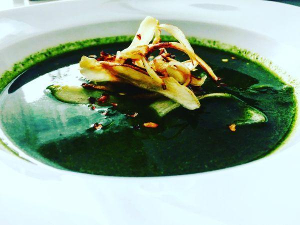Videorecept: Jednoduchá, rýchla a zdravá špenátová polievka - Recept pre každého kuchára, množstvo receptov pre pečenie a varenie. Recepty pre chutný život. Slovenské jedlá a medzinárodná kuchyňa