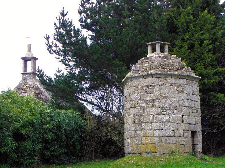 Saint-Pol-de-Léon (29) Chapelle Saint-Charles-Borromée 01 - Saint-Pol-de-Léon — Wikipédia