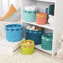 Crochet Rainbow Baskets free pattern @williwyarns