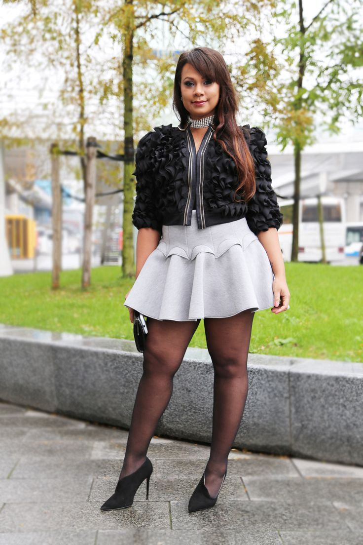 Grey Mini Skirt Street Style Cositas Fashion Blog Party Chic Street 1200 1800