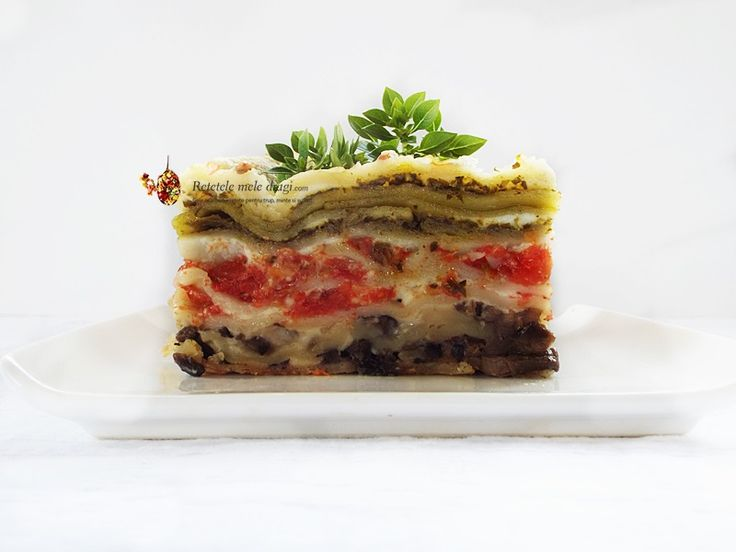 Lasagna in trei culori--reteta de post, mai aspectuoasa, cu straturi succesive de ciuperci, rosii si pesto aromat de busuioc si spanac