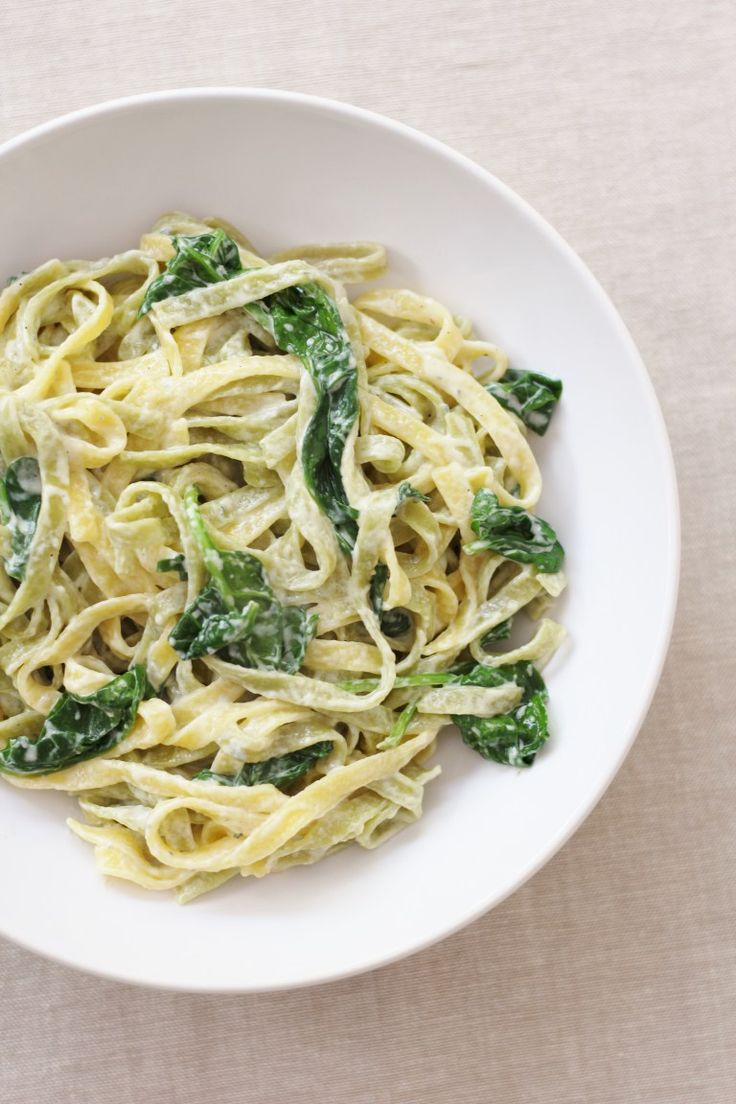 Pasta with Spinach and Blue Cheese Sauce