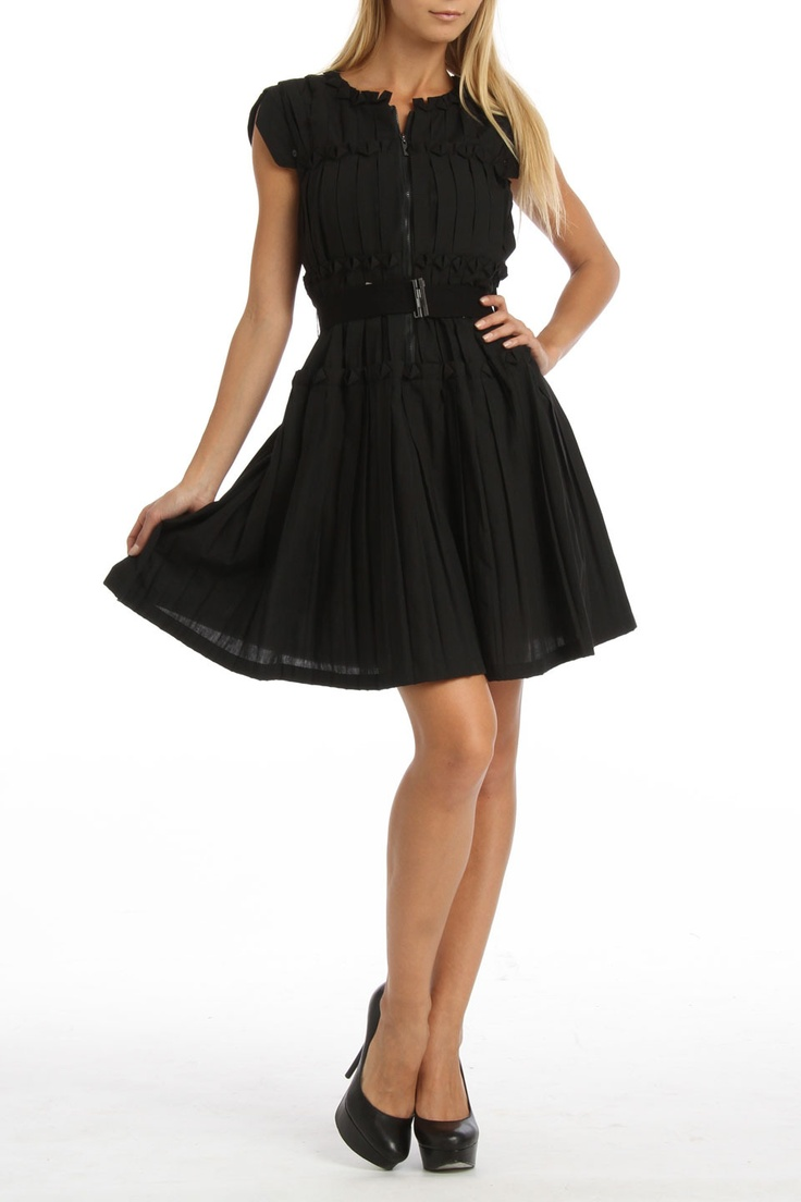 Eva Franco Accordion Dress In Black suuuper cute!