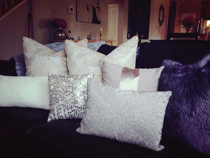 How To Make Decorative Home Decor Pillows : Glam pillows. #sequin #bling Home Ideas Pinterest Bling, Sequins and Couch