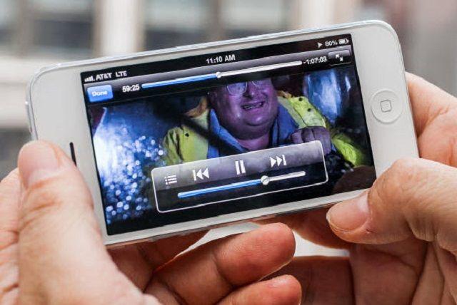 Cinco aplicaciones para ver películas gratis en mi iPhone o iPad http://www.multimediagratis.com/multimedia/dispositivos-moviles/cinco-aplicaciones-para-ver-peliculas-gratis-en-mi-iphone-o-ipad.htm
