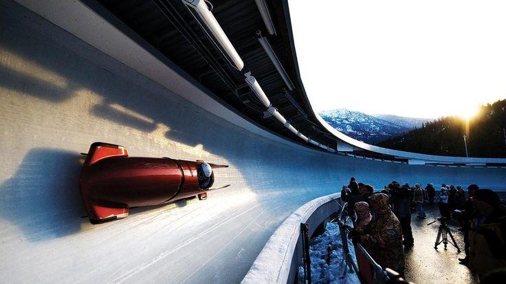 Los mejores deportes de hielo para practicar este invierno: https://buhomag.elmundo.es/deportes/mejores-deportes-hielo-invierno/9370a31d-0004-5813-2134-112358132134?cid=SMBOSO22801&s_kw=CMpinterest