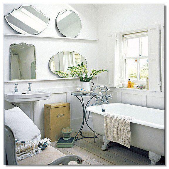 Pi di 25 fantastiche idee su vasca da bagno vintage su pinterest case d 39 epoca vasca da bagno - Vasca da bagno con i piedi ...