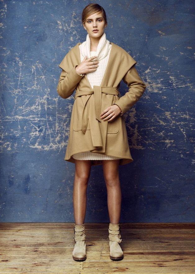 Asymetryczny beżowy płaszcz - LCLUCJA - Płaszczyki