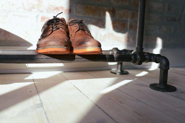 RackBuddy Clyde - Tøjstativ med skohylde fra 120x150cm Super solidt, fedt tøjstativ i industrielt og råt design. Clyde er storebror'en i vores sortiment, som al
