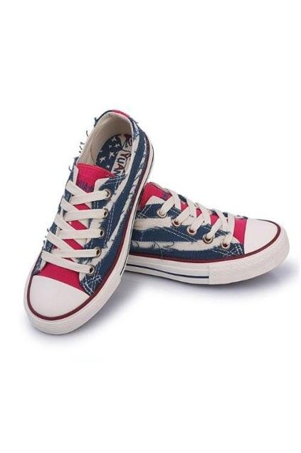 This canvas shoes crafted in fabric and rubber, featuring low top, color block of the vamp, lace-up fastening design, low cut with rubber sole.$30