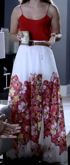 Saia longa branca floral com regatinha vermelha