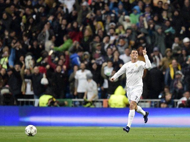 Cristiano Ronaldo in talks over new Real Madrid deal? #Transfer_Talk #Real_Madrid #Football