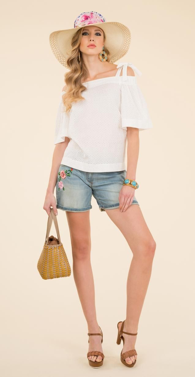 Cotton blouse, stretch denim bermuda shorts with side embroidery, Ingegno bag.
