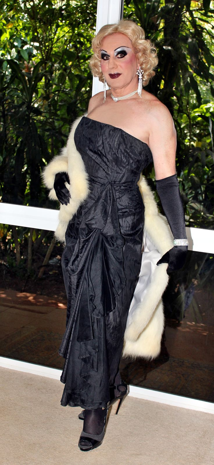 Black gloves for gown - Black Evening Gown