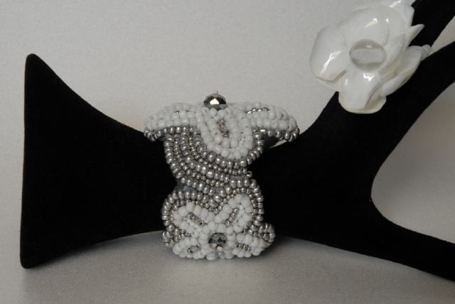 DSC_0142.jpg (640×428) Bead embroidery bracelet realized by my design Donatella Vassallo creation