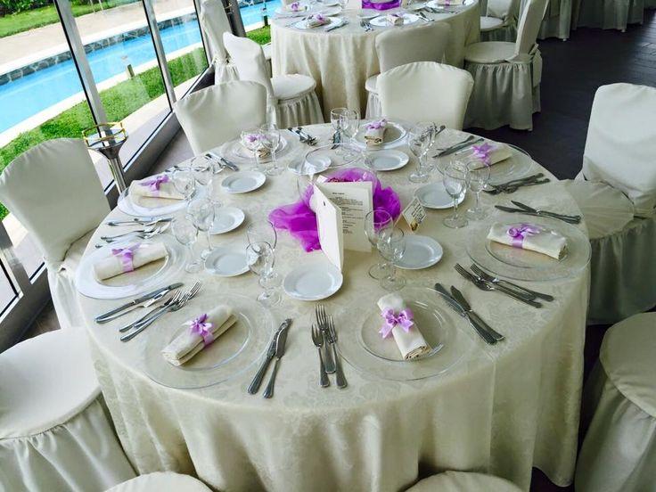 Allestimento tavolo viola