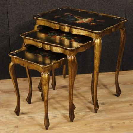 800€ Triptych of lacquered, golden and painted Italian coffee tables. Visit our website www.parino.it #antiques #antiquariato #furniture #antiquities #antiquario #coffeetable #table #tavolo #golden #gold #decorative #interiordesign #homedecoration #antiqueshop #antiquestore #lacquered #painted