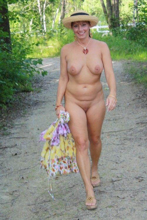 фото голышом женщины