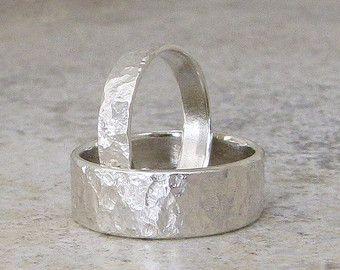 Bandas de bodas de plata martillados Set de anillo por SilverSmack