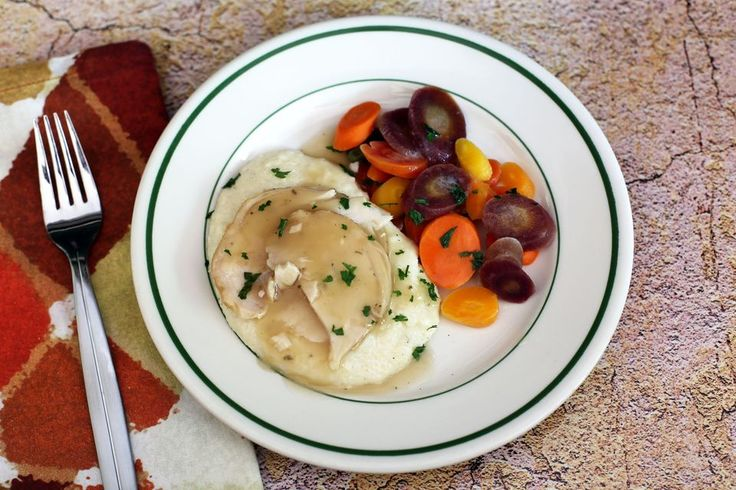 How to Make Creamy Grits With Quick Grits - Photo: Creamy Grits With Turkey and Gravy