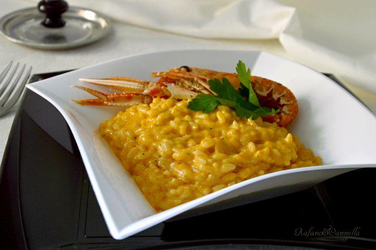 """Ilrisotto alla crema di scampiè un primo piatto semplice ma raffinato, ideale per i pranzi """"importanti"""" e soprattutto di facile esecuzione."""