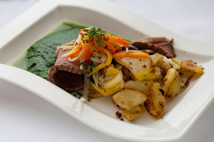 Ein Klassiker der österreichischen Küche: der Tafelspitz - und hier gibt's gleich noch Tipps, wie man Rindfleisch richtig kocht!