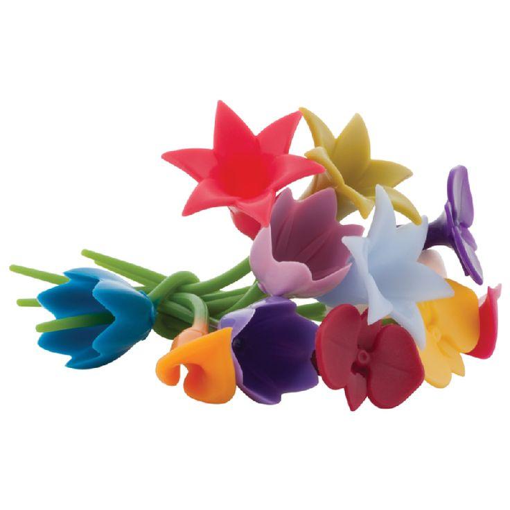 KUKKAKIMPPU VIINILASIN MERKKAAJA     Kaunis, kestävä ja käytännöllinen kukkakimppu lahjaksi tai tuliaiseksi!