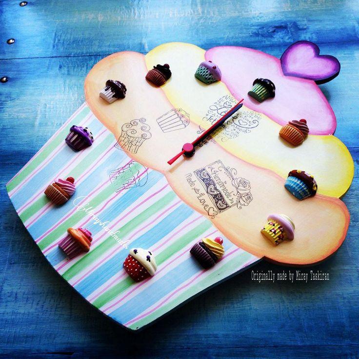 CUPCAKE PURPLE HEART HANDPAINT WALL CLOCK (This is Originally made by Mirayshandmades - Miray Yildizli Taskiran From Turkey) mirayshandmades@gmail.com