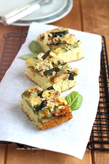 torta rovesciata con zucchine, pecorino e basilico