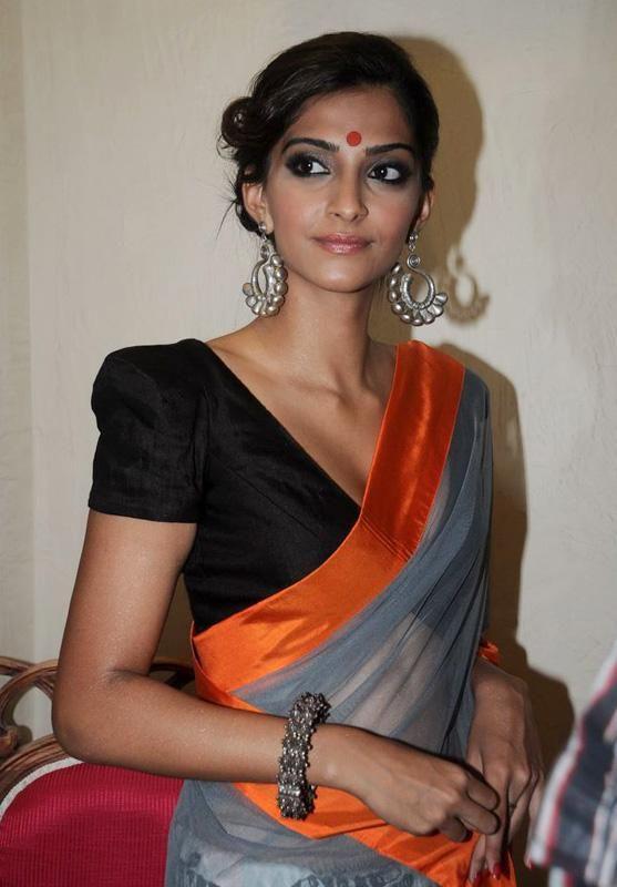 saree blouse:  sonam kapoor saree