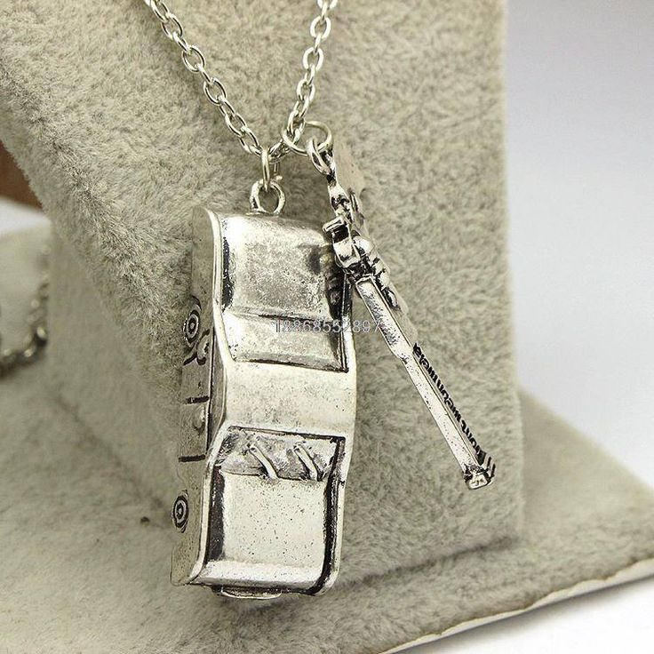 Supernatural Dean Winchester Car With License Plate Necklace (Free Shipping)
