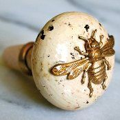 beesBees Doorknobs, Bees Wine, Bees Stoppers, Wine Stoppers, Doors Knobs, Bees Bottle, Bees Doors, Bees Knobs, Honey Bees